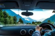 4 Tips to choosing a windshield without breaking your budget