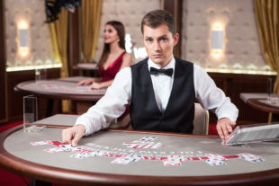 Benefits of Playing on Live Casinos