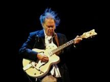 Neil Young's PonoMusic smashes through its Kickstarter target
