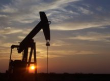 Toward clean oil extraction, as part of energy transition?